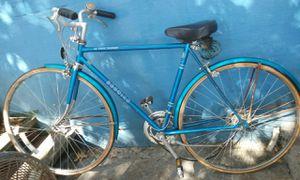 Vintage schwinn blue tour men's bike for Sale in Atlanta, GA