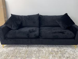 Black velvet Couch for Sale in Los Angeles, CA