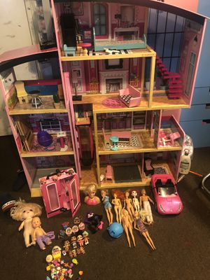 Huge Barbie house w/ accessories furniture barbies for Sale in Los Angeles, CA