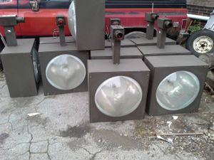 Parking lot and security lights for Sale in US