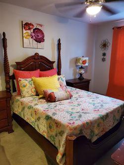 Queen Bedroom Suite with Pillows, Dresser for Sale in Calverton,  MD