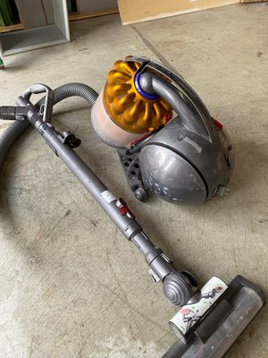 Free Dyson vacuum for Sale in Camas, WA