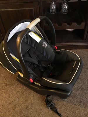 Car seat for Sale in Bellevue, NE