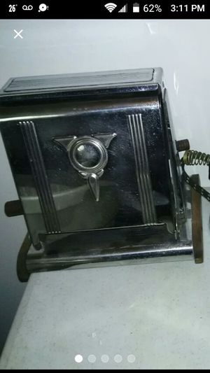 Antique Toaster for Sale in Elk Grove Village, IL