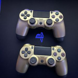 2 Wireless PlayStation 4 Controllers for Sale in Surprise, AZ