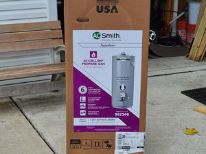 Propane water heater for Sale in Marietta, PA