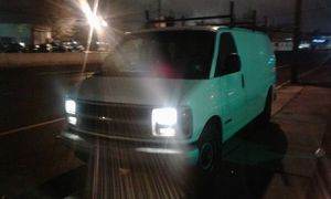 2001 CHEVY EXPRESS 3500 for Sale in Irvington, NJ