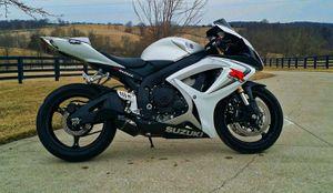 ONLY_$6OO_O6_Suzuki_G.S.X-R-6OO for Sale in Cincinnati, OH