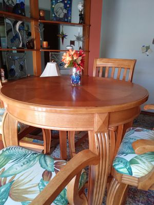 Solid Oak Pub Table and Chairs Kitchen/Dining for Sale in New Port Richey, FL