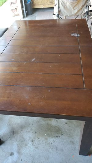 kitchen table and 6 chairs for Sale in Banning, CA