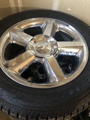 20in Chevrolet rim n tires for Sale in Fresno, CA