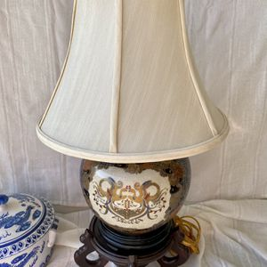 Vintage Small Chinoiserie Table Lamp for Sale in Arlington, TX