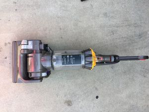 Dyson DC 33 Vacuum for Sale in Moreno Valley, CA