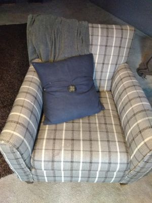 Chair, perfect condition for Sale in Cleveland, OH