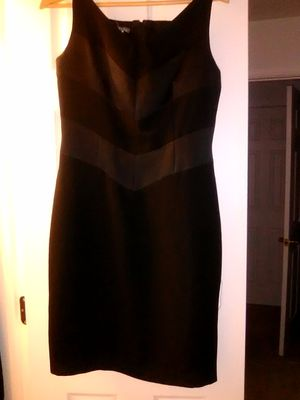 Black 2 Dresses After 5, And Gown, Petite Size 6, By Maggy London. for Sale in Gaithersburg, MD