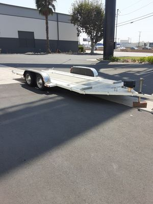 Auto Transport carrier trailer single car tandem axle NO TRADES NO OFFERS FIRM ON THE PRICE NO LESS for Sale in CTY OF CMMRCE, CA