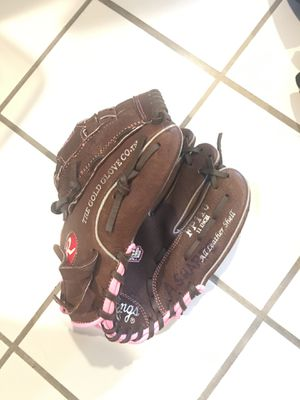 Girls softball glove for Sale in Montgomery, IL