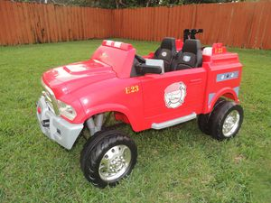 12-Volt RAM 3500 Fire Truck Ride-On Toy Car by Kid Trax, Red for Sale in Boca Raton, FL