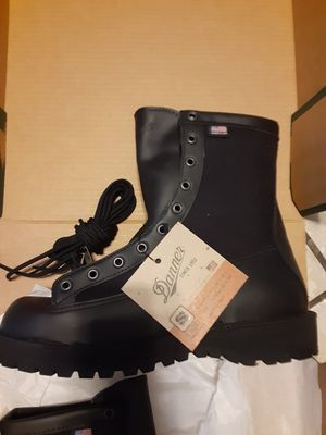 NEW Danner Acadia Boots size 8.5 for Sale in El Paso, TX