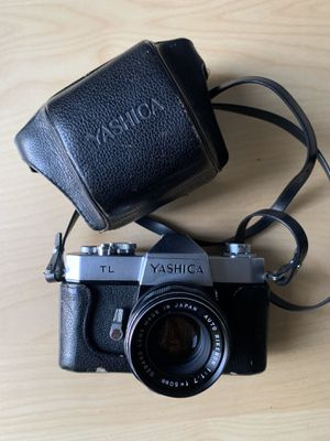 Yashica TL, 35mm film camera, with case and strap for Sale in Los Angeles, CA
