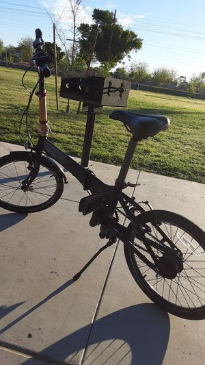 This is a uitesse dahon fold up bike for Sale in Tempe, AZ
