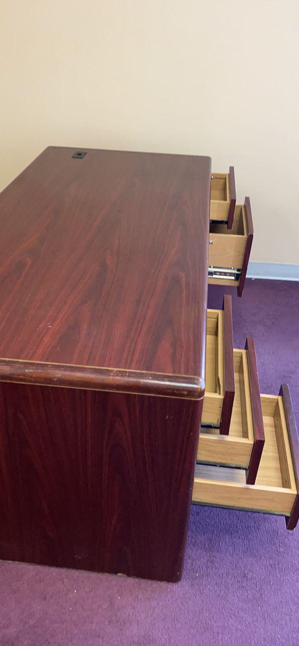 Wooden desk $30 must go ASAP