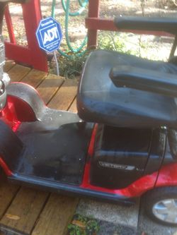 4 Wheel Mobility Scooter By Pride for Sale in Leesburg,  FL