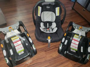 Chicco Keyfit 30 infant car seat with 2 bases for Sale in Bristol, CT