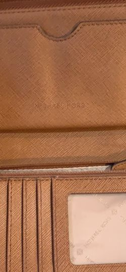 Michael Kors Wallet for Sale in Damascus,  OR