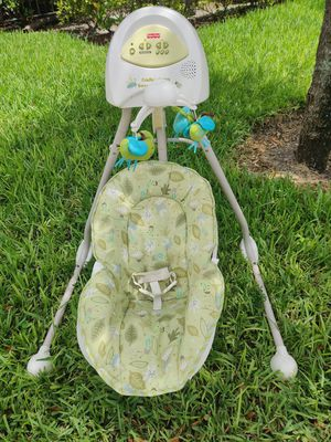 Fisher Price Baby Swing for Sale in Miramar, FL