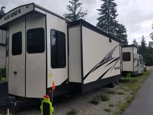 2018 Sierra travel destination RV trailer 401FLX for Sale in Federal Way, WA