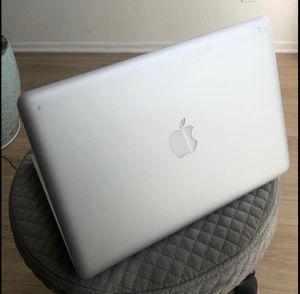 MacBook 2009 for Sale in Opa-locka, FL