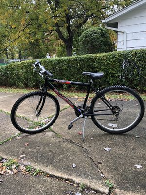 Raleigh mountain bike for Sale in Willoughby, OH