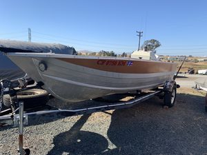 18 ft Starcraft aluminum boat 100hp with trailer for Sale in Martinez, CA