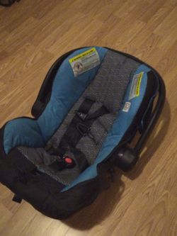 Baby Car Seat for Sale in Arrington,  VA