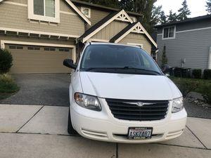 07 Chrysler Town & Country 7-Passenger Minivan 112K for Sale in Lynnwood, WA