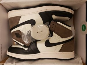 Nike Air Jordan 1 OG Retro High Mocha - Sizes 10.5 & 7GS - Please read FULL ad for ALL info before asking questions for Sale in Baldwin Hills, CA