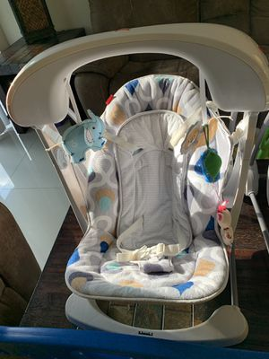 Baby swing for Sale in Miami Gardens, FL