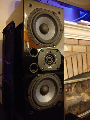 Polk audio lsi15 tower speakers. Almost like new for Sale in Chula Vista, CA
