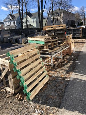 Pallet free for Sale in Boston, MA
