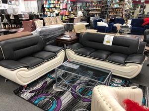 Leather sofa and love seat for Sale in Warren, MI