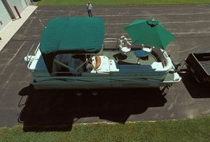 💥💥2006 Manitou Legacy Pontoon Boat and Trailer💥💥 for Sale in Oklahoma City, OK