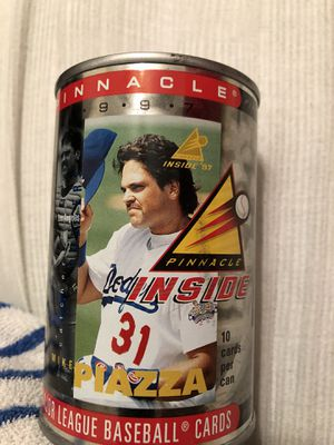 LA Dodgers Hall Of Famer Mike Piazza 1997 Pinnacle baseball cards can for Sale in Mesa, AZ