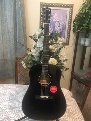 Fender CD60 V3 acoustic guitar with case for Sale in Cudahy, CA