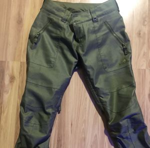 Burton womens waterproofs ski pants- Xsmall size(24-26) for Sale in Brooklyn, NY