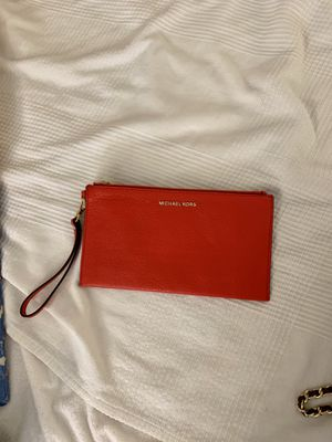 Michael Kora wristlet clutch * READ DESCRIPTION* for Sale in Seattle, WA