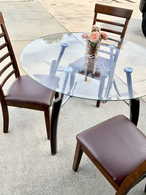 office table for Sale in Moreno Valley, CA
