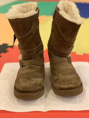 uggs girls boots size 1 for Sale in Riverwoods, IL