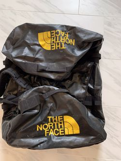 The North Face XL Duffel Bag for Sale in San Marcos,  CA