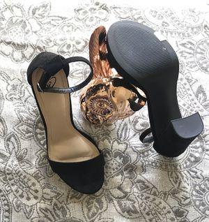 Open toe heels size 6 for Sale in San Francisco, CA